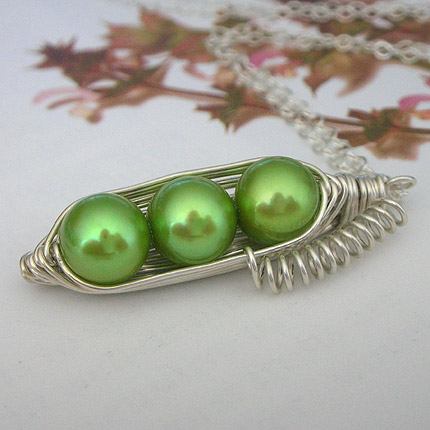 Three peas in a pod necklace :  sterling silver pendant freshwater pearls peapod jewelry